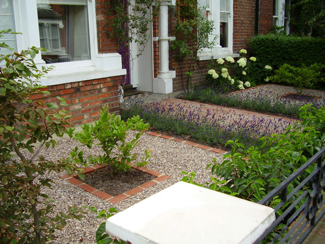 25 Landscape Design For Small Spaces | Brick Fence, White Pebbles