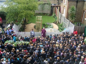Bishop of Southwark opens new school garden designed by Tim Mackley